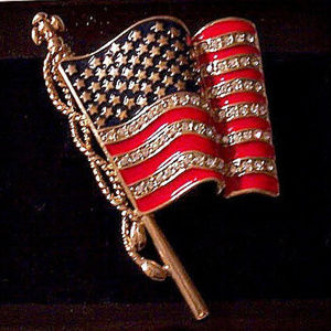 Monet American Flag Pin Brooch Gold Tone